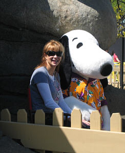 Snoopy and Lauren Holly