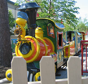 Snoopy's Express Railroad